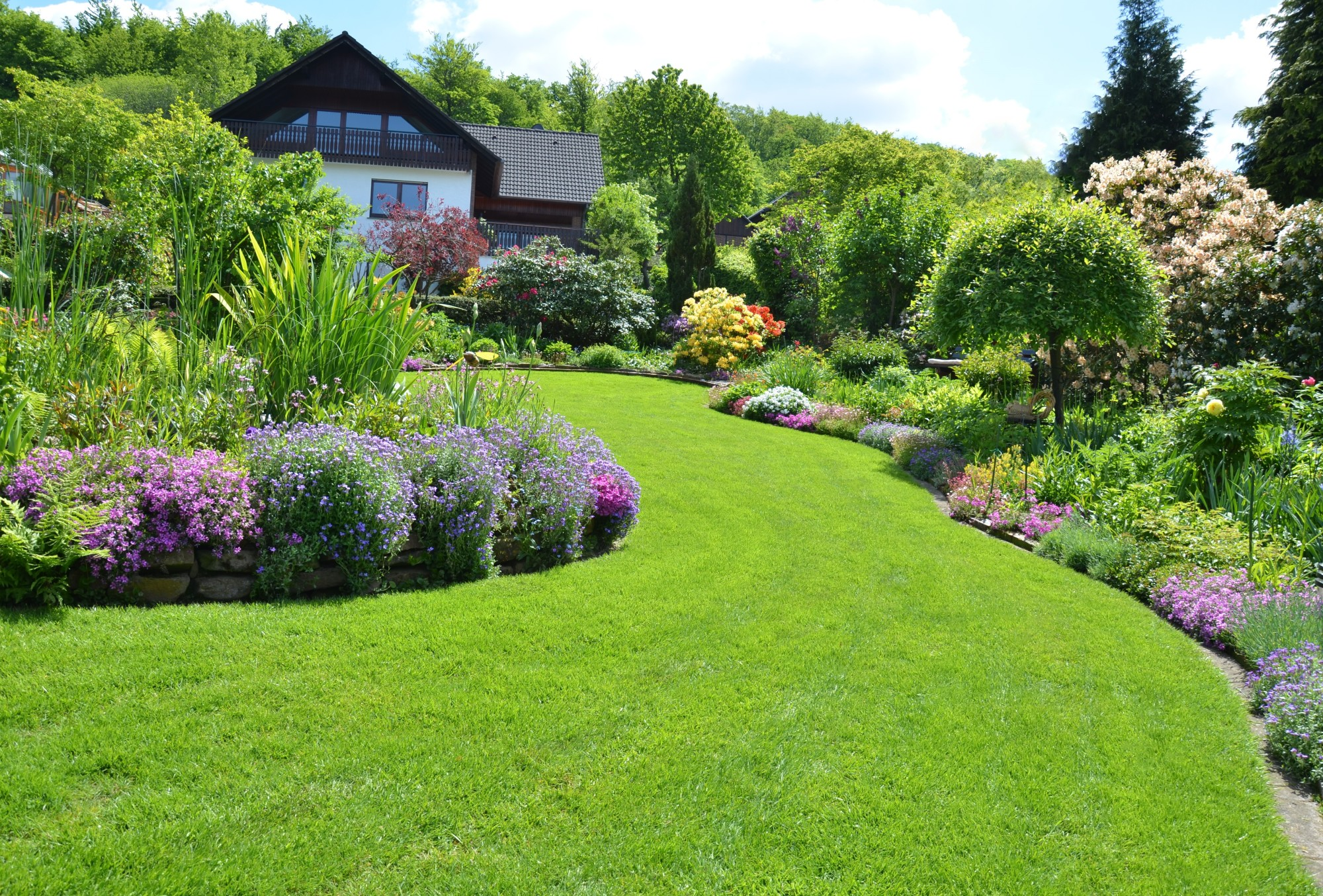 3 Landscaping Tips and Tricks for Homeowners