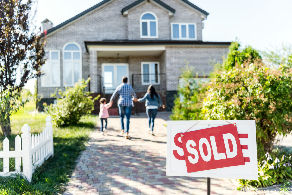 House for Sale? A Complete Guide to the Home Selling Process