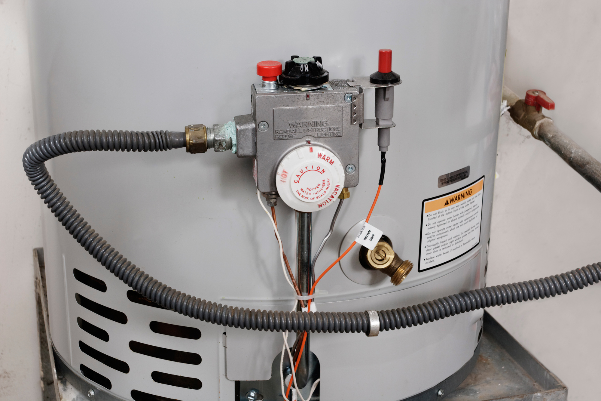 Phone a Plumber: How Much Does a Plumber Charge to Drain a Water Heater?
