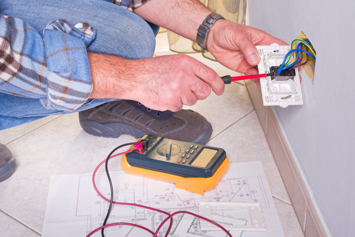 7 Common Electrical Problems Homeowners Face