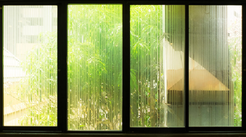 7 Reasons Why Your Office Needs Privacy Glass Film for an Upgraded Space